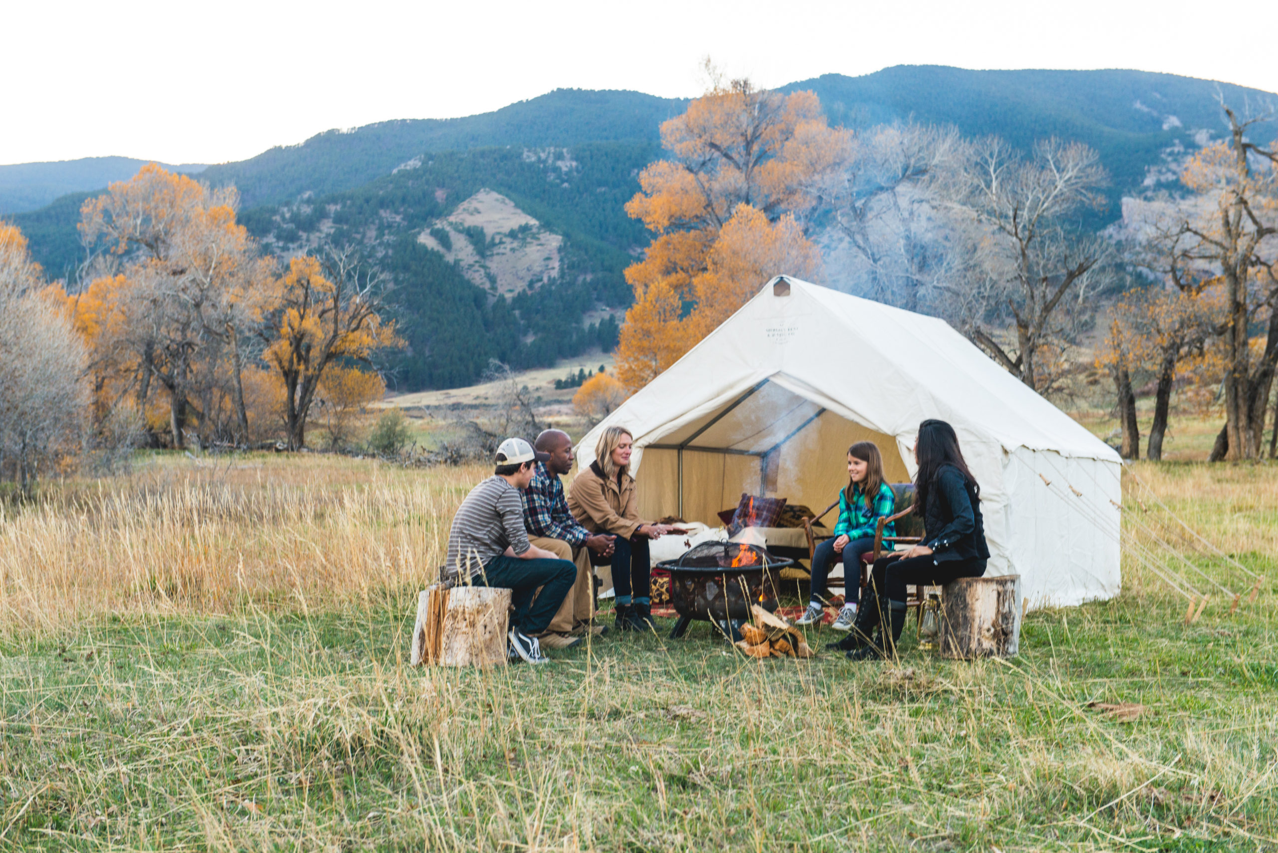 Top 5 Reasons to Go Camping with Friends and Family